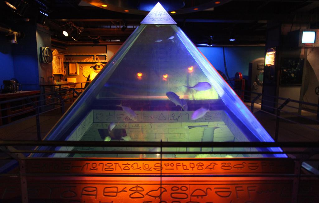 海底金字塔,带着点神秘色彩